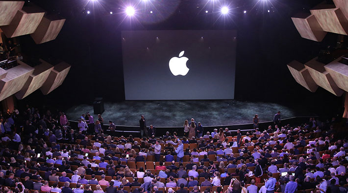 apple-keynote-iphone-6-watch-pay-escenario