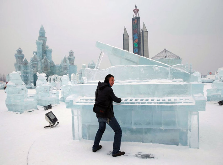 2015-international-ice-and-snow-festival-harbin-china-14