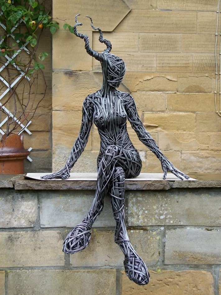 richard-stainthorp-wire-sculpture-02