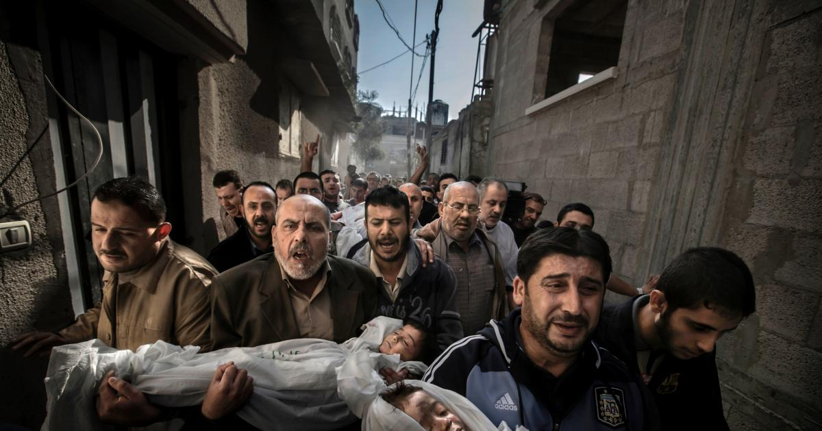 world-press-photo-2016-paul-hansen-gaza